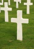Белый мраморный воинский крест Стоковое фото RF