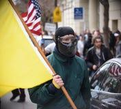 Белый националист и анти--Facist потасовка групп в городском Беркли Калифорнии Стоковые Фотографии RF