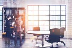 Белый офис главного исполнительного директора, круглый стол, люди Стоковые Фотографии RF