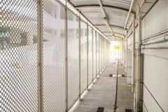 Белый путь прогулки любит внешний тоннель Стоковые Фото