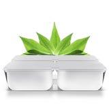 Белый пластичный пустой банк для еды, масла, майонеза, маргарина, сыра, мороженого, оливок, солениь, сметаны с крышкой бумаги eco Стоковые Фотографии RF