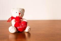 Белый плюшевый медвежонок плюша Стоковое Фото