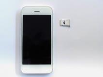 Белый умный телефон, поднос карточки sim и малая бумага сымитированные как a Стоковая Фотография