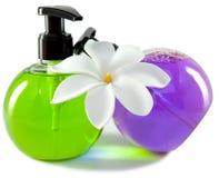 Белый цветок и жидкостное мыло Стоковое фото RF
