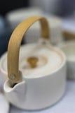 Белый чайник Стоковое Изображение RF