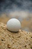 Белый шар для игры в гольф Стоковая Фотография RF