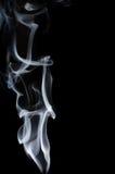 Белый дым на черной предпосылке, белый дым на черной предпосылке, предпосылке дыма, белой предпосылке чернил, предпосылке дыма, b Стоковое Изображение