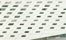 Белый экстерьер современного здания гостиницы с окном Стоковое фото RF