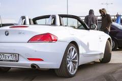 Белый BMW-автомобиль z4 coupe Стоковая Фотография