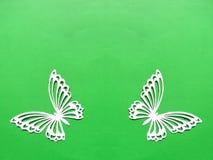 2 белых бабочки Бумажное вырезывание Стоковые Фото