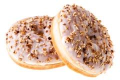 2 белых изолированного donuts фундука Стоковые Изображения