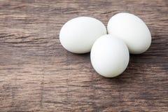 3 белых пасхального яйца Стоковая Фотография