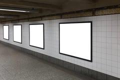 4 белых пустых афиши в тоннеле Стоковое Изображение RF