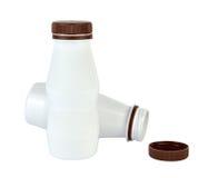 2 белых пластичных изолированной бутылки - Стоковые Изображения