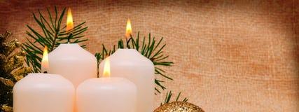 4 белых свечи пришествия Стоковые Изображения