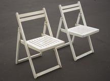 2 белых стуль складчатости Стоковые Фотографии RF