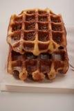 Бельгийские waffles с заскрежетанным шоколадом Стоковая Фотография
