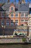 Бельгия bruges Фламандская старая архитектура, взгляд канала Стоковое фото RF