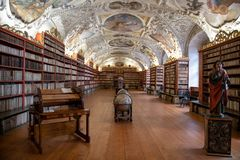 Библиотека барокк монастыря ` s Strahov стоковые фотографии rf