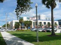 Библиотека Miami-Dade County - ветвь пляжа Стоковая Фотография