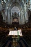 Библия на монастырской церкви Йорка (собор) Стоковое Изображение RF