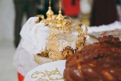 Библия церков алтара миражирует значок кроны перекрестный Стоковая Фотография