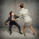 2 бизнесмена воюя как sumoist Стоковая Фотография RF