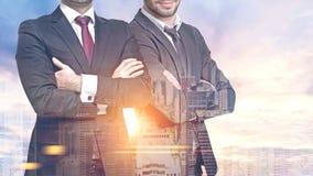 2 бизнесмена в городе утра Стоковая Фотография RF
