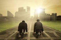 2 бизнесмена готового к конкуренции Стоковая Фотография