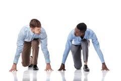 2 бизнесмена на линии старта Стоковая Фотография