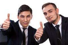 2 бизнесмена показывая одобренный знак Стоковые Изображения