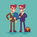 2 бизнесмена смотрят доску сзажимом для бумаги вектор Стоковые Фотографии RF