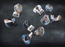 Бизнесмены вида с воздуха работая единение Conce общины Стоковое Изображение