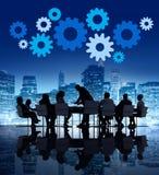 Бизнесмены встречая в городе Стоковое Фото