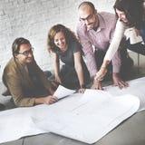 Бизнесмены встречая концепцию архитектора светокопии обсуждения стоковая фотография rf