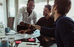 Бизнесмены в встрече Стоковое Изображение