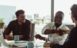 Бизнесмены в встрече Стоковые Изображения RF