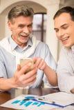 Бизнесмены в кафе Стоковое фото RF