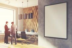 Бизнесмены в офисе стены диаманта Стоковые Изображения