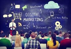 Бизнесмены в семинаре маркетинга цифров Стоковые Изображения