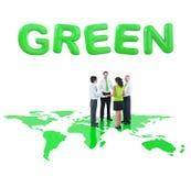 Бизнесмены держа руки для экологического Стоковое фото RF