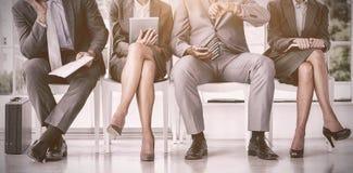 Бизнесмены ждать быть вызванным в интервью Стоковые Фотографии RF