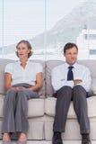 Бизнесмены ждать Стоковые Фото