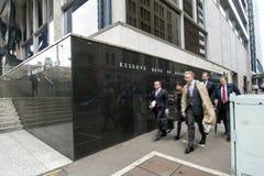 бизнесмены запаса здания банка Стоковое Изображение