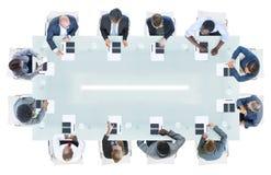 Бизнесмены имея встречу в офисе Стоковое Изображение RF
