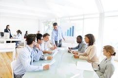 Бизнесмены имея встречу Стоковая Фотография RF