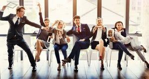 Бизнесмены концепции наслаждения счастья усмехаясь стоковая фотография rf