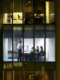 Бизнесмены на встрече в офисе Стоковое Фото
