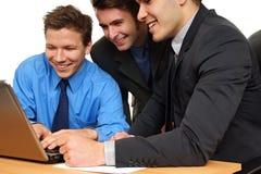 Бизнесмены на компьютере Стоковая Фотография RF