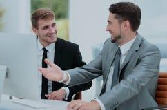 бизнесмены работы 2 бизнесмены в discu formalwear Стоковая Фотография
